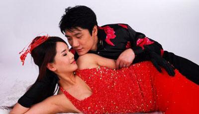 杨欣大婚在即床上调情和夫婿打情骂俏