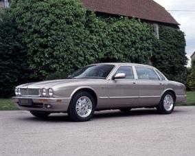 图为第二代捷豹XJ改款车型