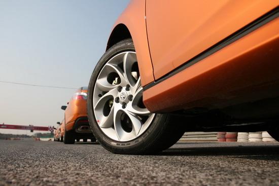 215/50R17的轮胎规格