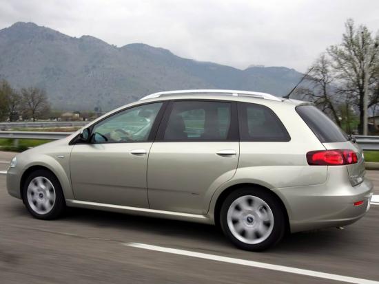 菲亚特2005年推出Croma跨界车