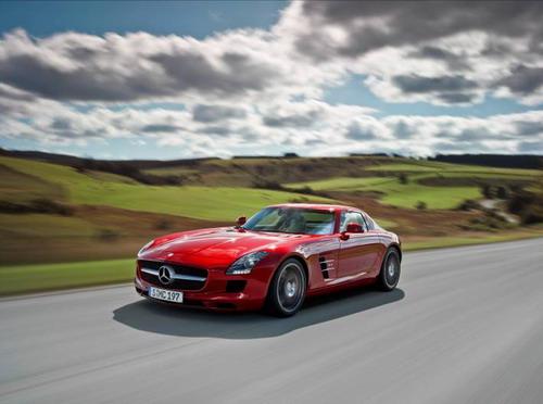 梅赛德斯-奔驰 SLS AMG