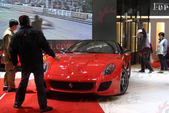 图为全新法拉利599 GTO