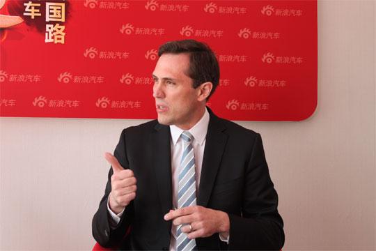 有限公司高级副总裁戴雷博士做客新浪访谈间