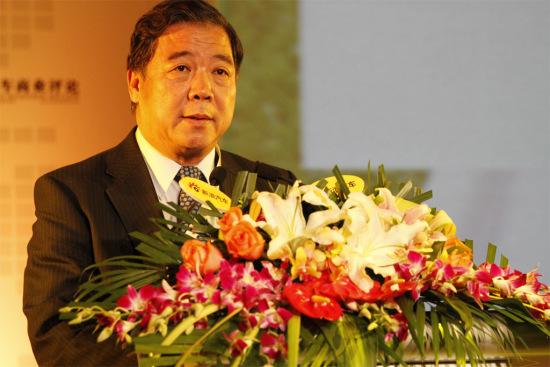 中国汽车工程学会常务副理事长兼秘书长付于武致辞