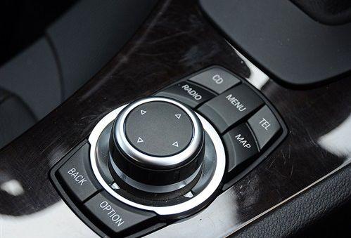 宝马i-Drive系统