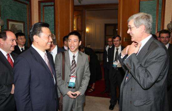 中国长安总裁徐留平与PSA总裁瓦兰