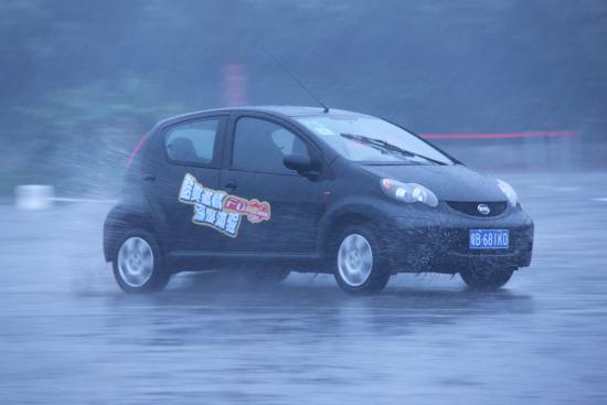 F0在暴雨中的表现依然稳定自如