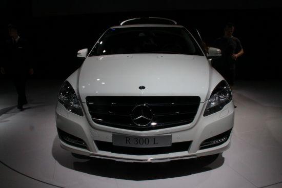 其融合豪华轿车、旅行车和SUV设计元素
