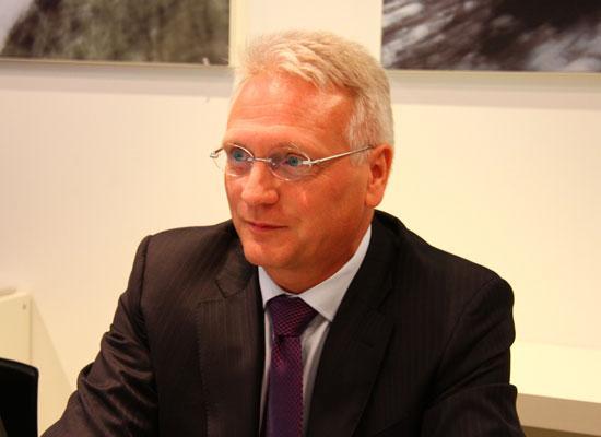 斯柯达汽车公司董事会主席范安德博士接受采访