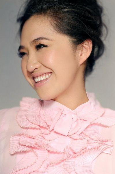 著名歌手彭青