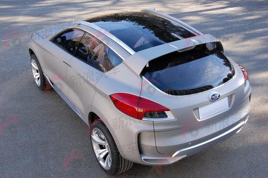 一汽奔腾SUV概念车采用全景天窗设计