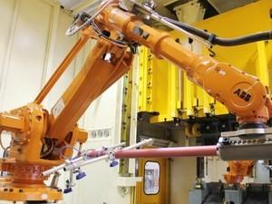 100余台ABB机器人布控哈弗H6生产线