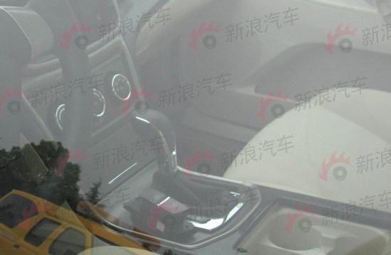 长安CD101内饰