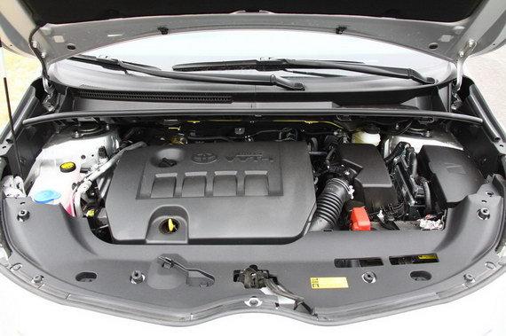 图为逸致1.8L发动机