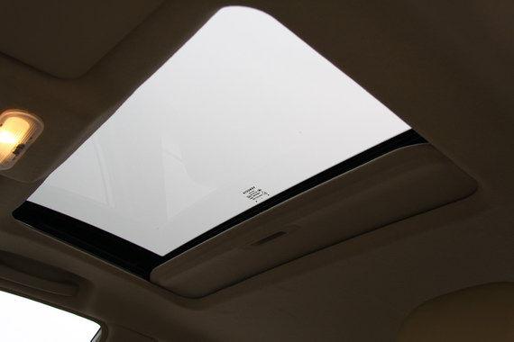 电动天窗面积不小