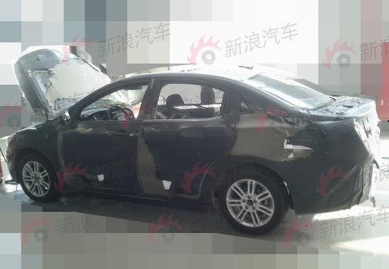 或名GA3 广汽传祺新车更多细节谍照