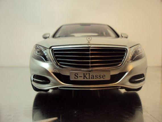 提前曝光的全新S级官方车模(图片来自http://www.modelclub.cn/ 网友dia)