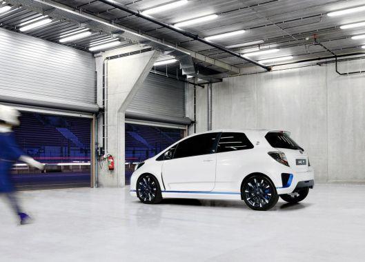 Toyota Yaris Hybrid-R Concept 12
