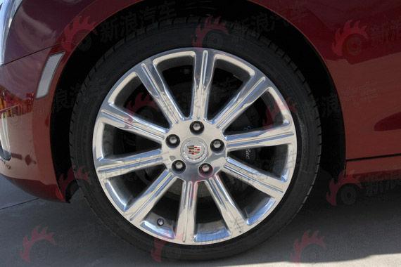 全新凯迪拉克ATS搭配18寸轮毂与高性能轮胎