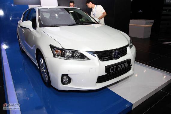 点击进入:广州车展 雷克萨斯CT200h实拍