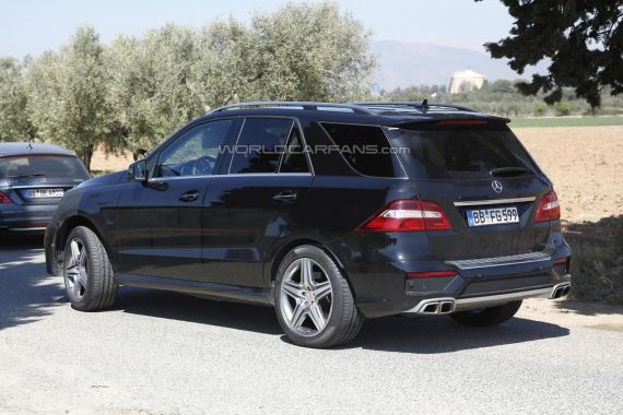 2015 Mercedes-Benz ML 63 AMG facelift spy photo -02