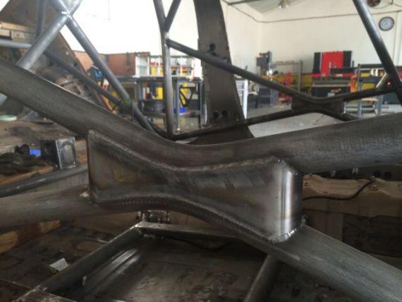防滚杠焊接点每平方毫米可承受300KG的力