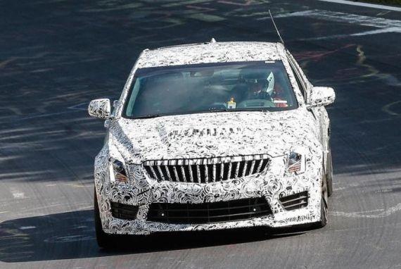 凯迪拉克ATS-V轿车谍照首曝 或明年初发布