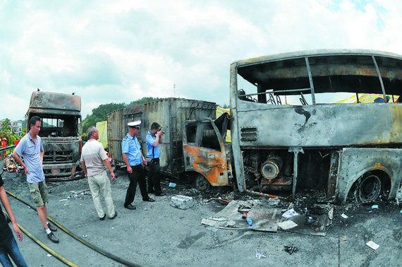 湖南高速客车爆燃致43人死 6名乘客受伤