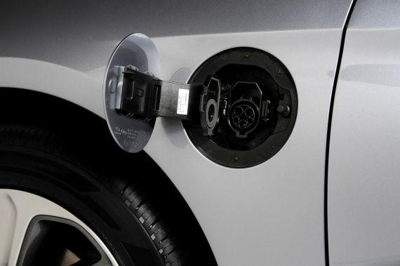 Hyundai Sonata Plug-in Hybrid Electric Vehicle 07