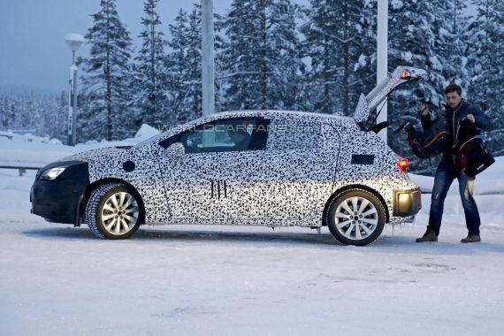 Opel Astra Spy 03