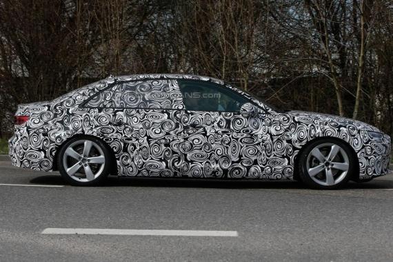 Audi A4 spy 01