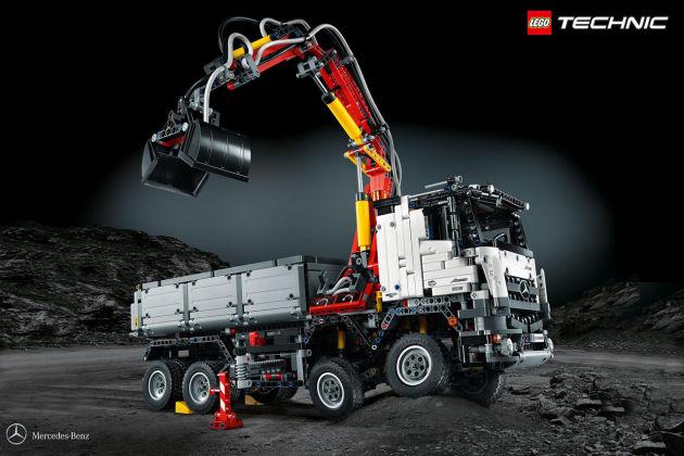 乐高发布奔驰Arocs 3245卡车