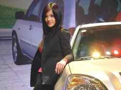 瑞虎SUV与车模
