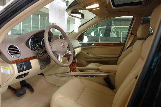 2009款奔驰GL450内饰图 点击查看更多实拍图片