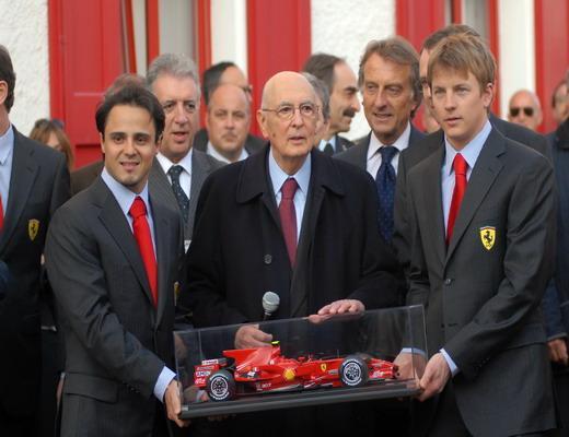 法拉利将F2008模型赠予意大利总统纳波利塔诺