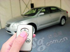 只需走入感应区,智能免插入钥匙让车主无需按钥匙即可开车;