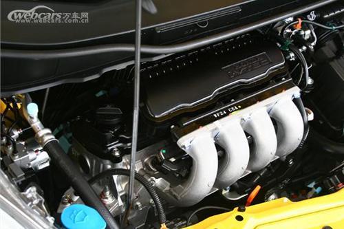 飞度的1.3L发动机通过改为4阀设计从而改善燃烧的稳定性