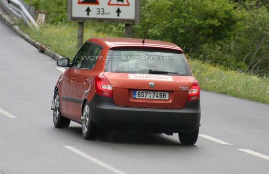 2010款斯柯达Fabia车尾
