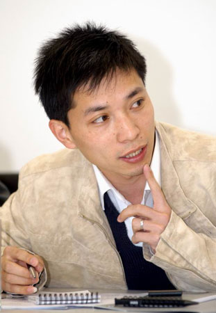 新浪青年汽车论坛评论员张利东简介