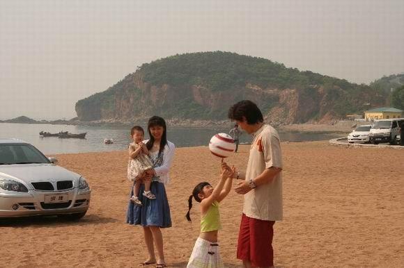 孙继海大连海滩秘拍骏捷广告尽享温馨家庭(图)
