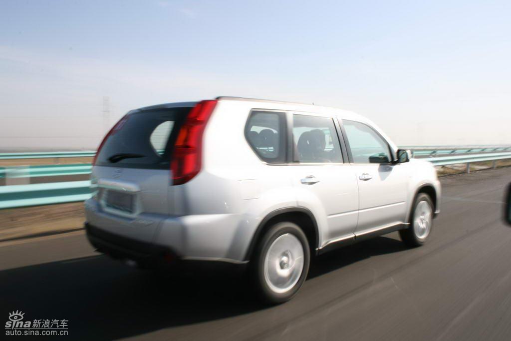 新浪汽车新疆大漠试驾新一代奇骏
