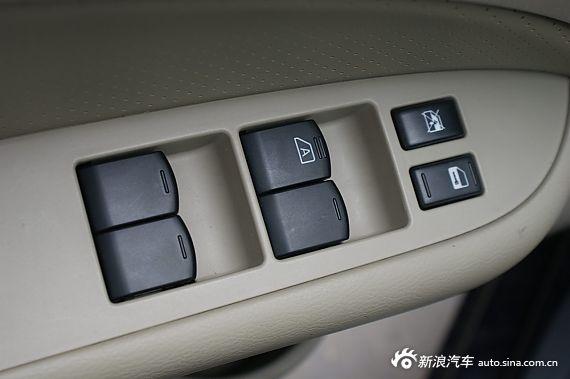 2012款东风风神A60