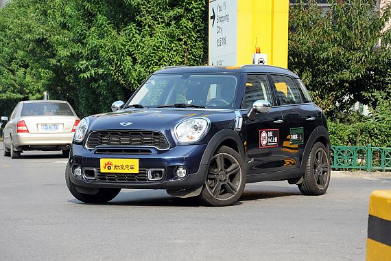 2011款MINI COUNTRYMAN实拍