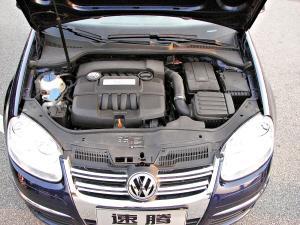 速腾V8引擎具有技术成熟、低转扭力充沛等优点。