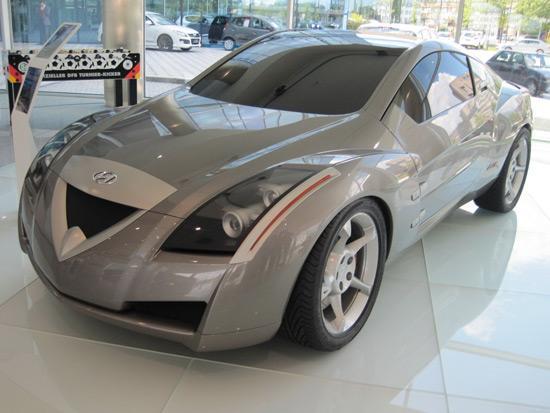 这款在欧洲本部展厅展出的概念车也引发大家的一致关注