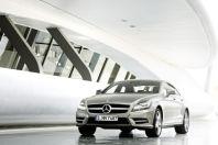 奔驰携多款首发车型璀璨亮相上海国际车展