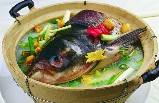砂锅鱼头(资料图片)