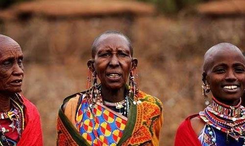 肯尼亚的马赛人偏爱红色