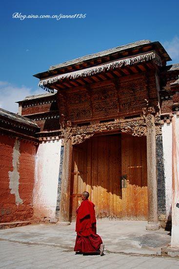 一个女喇嘛,也可以叫觉姆。