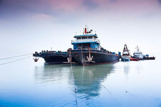 港口的轮船